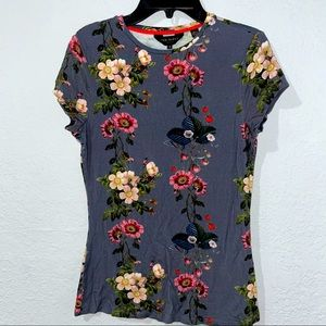 EUC Ted Baker London Floral Crewneck Fitted Tee 1